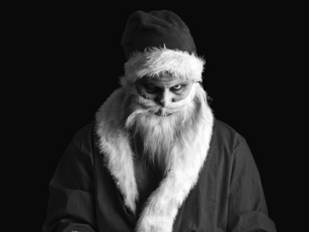 evil-santa-claus-a-look-a-cap_1024x768_sc